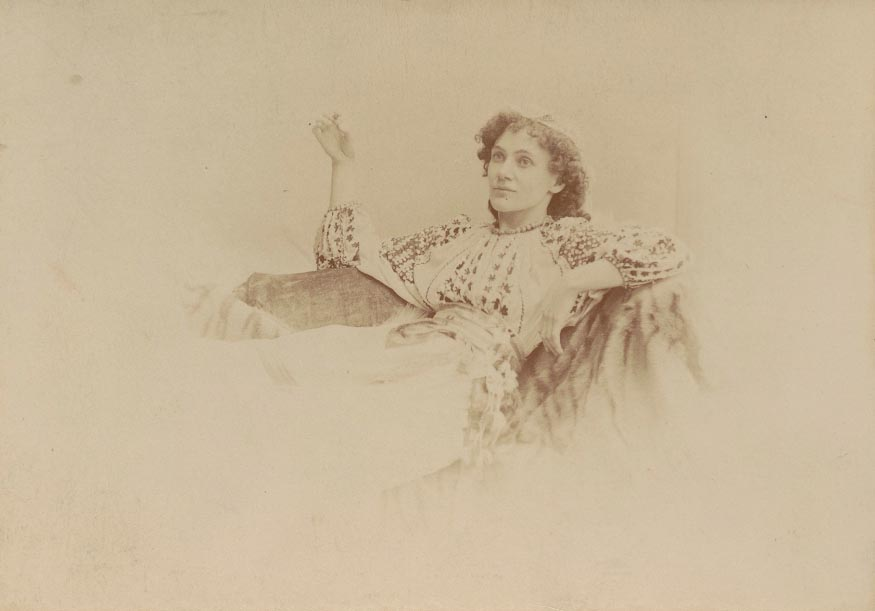 "Photo from 1896 by George Bernard Shaw of Florence Farr as Louka, a servant girl from the Balkans in the ""Arms and the Man"", a play at the Avenue Theatre of London written by Shaw."