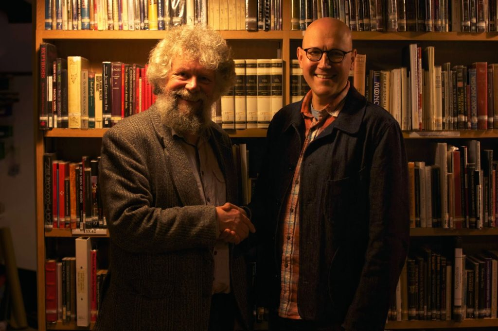 Graham King, former director of the »Museum of witchcraft and magic« and Simon costin, the current museum director